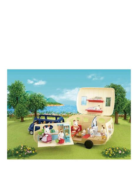 sylvanian-families-caravan