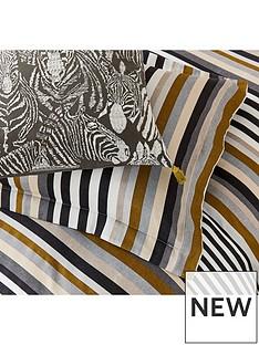 harlequin-rosita-ofxford-pillowcase