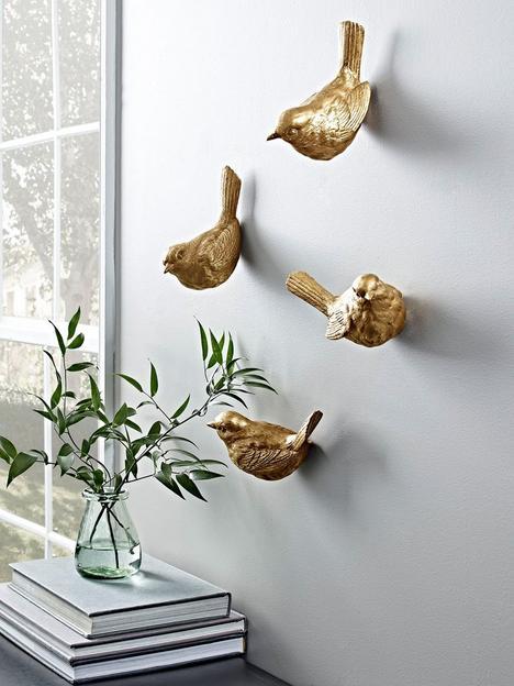 cox-cox-hanging-birds