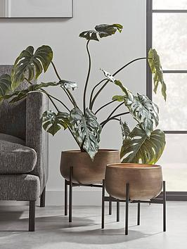 cox-cox-set-of-2-soft-gold-standing-planters