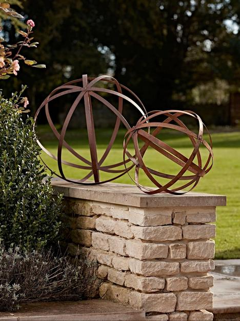 cox-cox-set-of-2-rusty-sphere-decorations