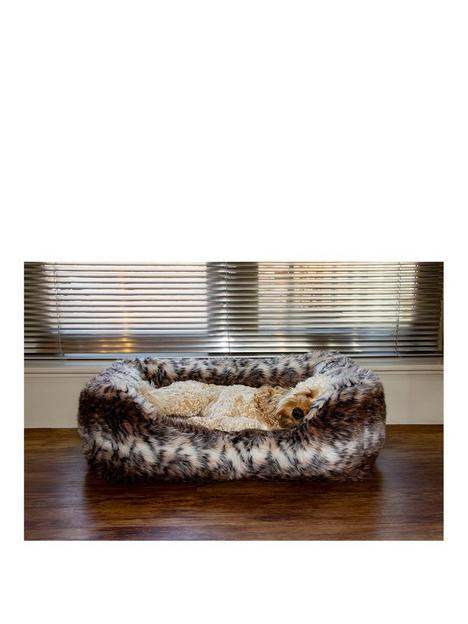 rosewood-brown-cosy-fur-print-bed-med