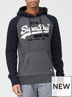 superdry-vintage-label-duo-raglan-hoodie-blackgritnbsp