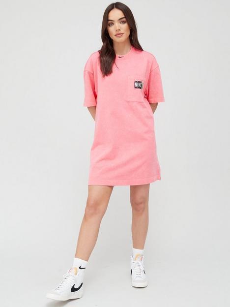 nike-nsw-wash-effect-short-sleeved-dress-pink
