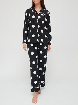 v-by-very-fleece-spot-button-through-pyjamas-in-a-bag--black