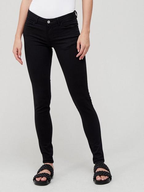 guess-curve-x-jean-black