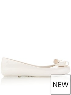 melissa-x-vivienne-westwood-sweet-love-viv-pump-white