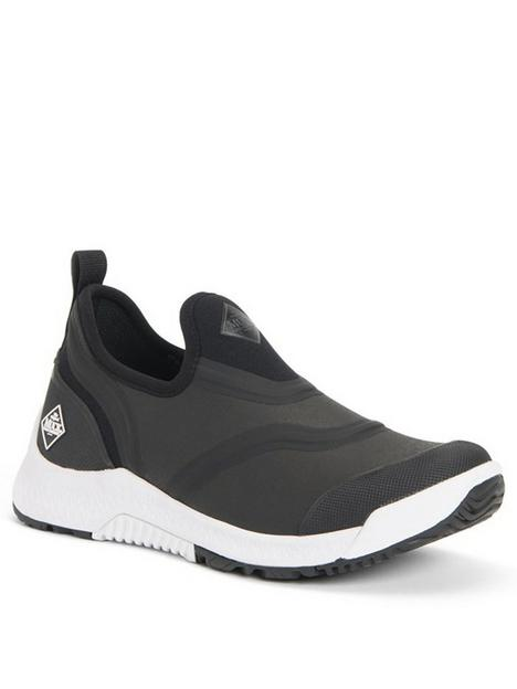 muck-boots-outscape-low-trainers-black