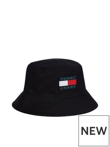 tommy-jeans-heritage-reversible-bucket-hat-black