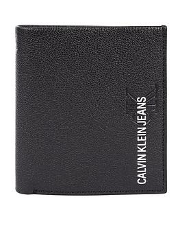 calvin-klein-jeans-ck-jeans-small-logo-trifold-leather-waller