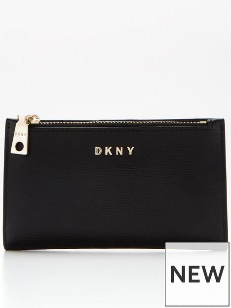 dkny-bryant-suttonnbspbifold-card-holder-blackgold