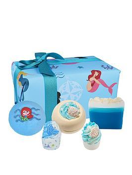 bomb-cosmetics-part-time-mermaid-bath-bomb-gift-set