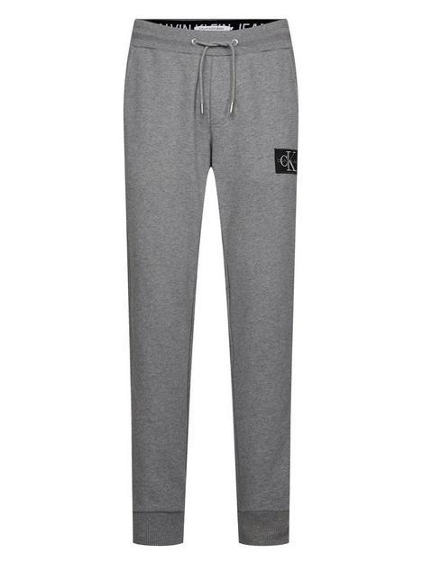 calvin-klein-jeans-ck-jeans-monogram-patch-joggers