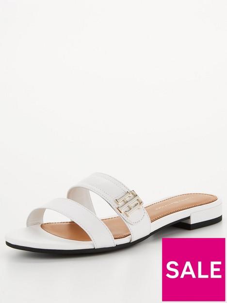 tommy-hilfiger-hardware-flat-leather-mule-white