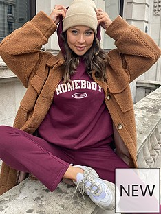 in-the-style-in-the-style-xnbspnaomi-genes-loopback-straight-leg-joggers-burgundy