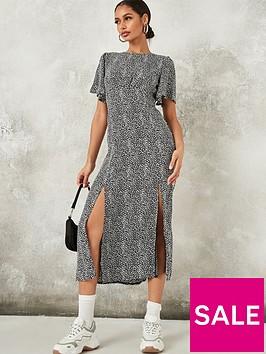 missguided-missguided-flutter-sleeve-midi-short-sleeve-dress-black