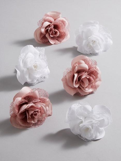 set-of-6-clip-on-christmas-tree-roses-dusky-pinkwhite