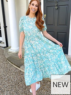 in-the-style-in-the-style-stacey-solomon-sage-ditsy-floral-smock-tiered-midi-dress