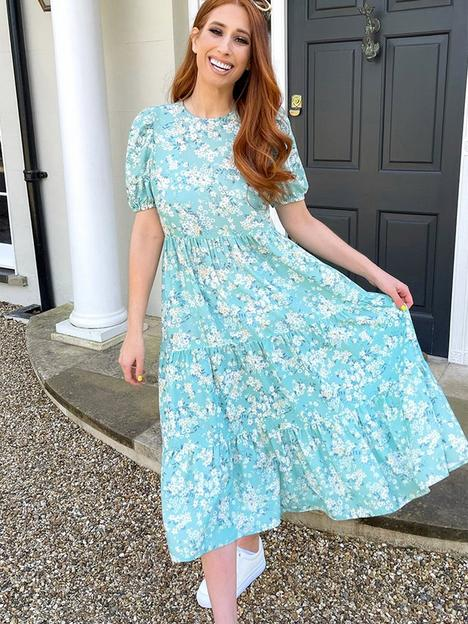 in-the-style-in-the-style-x-stacey-solomonnbspsmock-tiered-midi-dress-sage-ditsy-floral-print