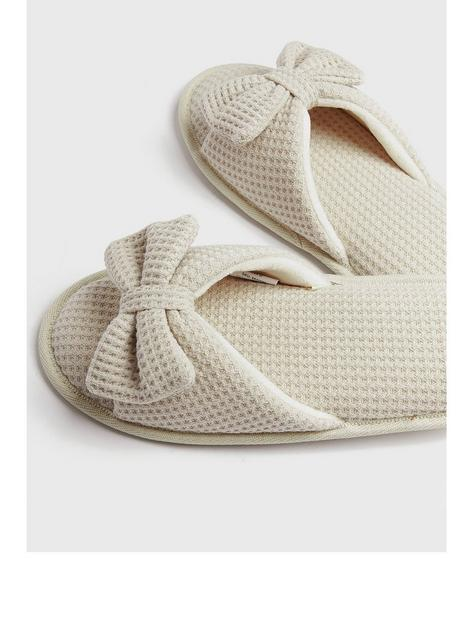 new-look-waffle-bow-slider-slipper-off-white