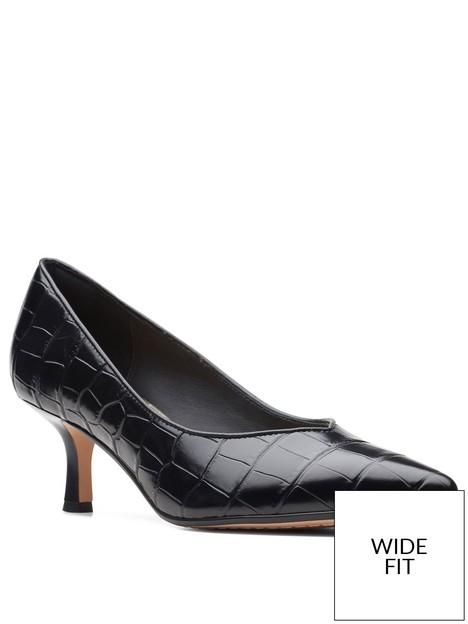 clarks-wide-fit-violet55-heeled-court-shoe