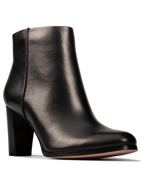 clarks-kaylin-fern-2-wide-fit-heeled-boot