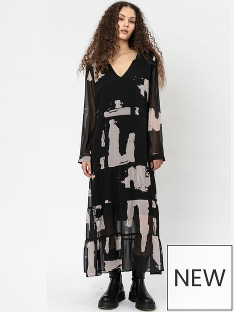 religion-abstract-print-tiered-maxi-dress-black