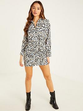 quiz-leopard-ruched-shirt-dress-whiteblackbluenbsp