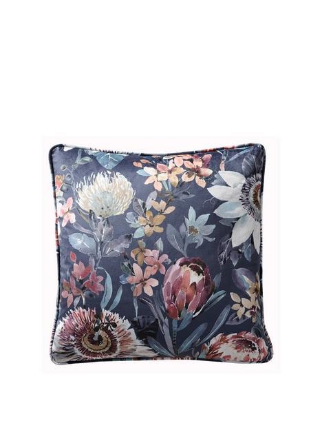 studio-g-pasionaira-cushion